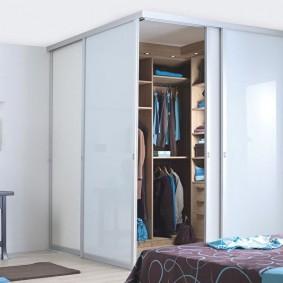 узкая длинная гардеробная фото видов