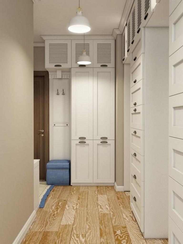 Узкие шкафы в интерьере прихожей