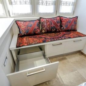 варианты выбора мебели на балкон