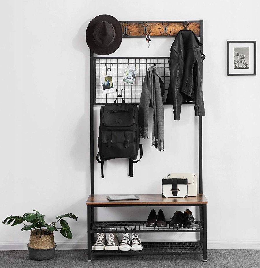Открытая вешалка для небольшой прихожей в стиле лофта