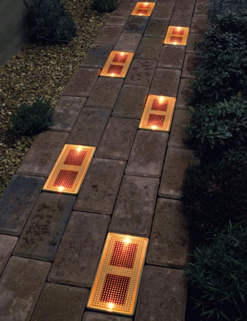 Садовая тропинка со встроенными светильниками
