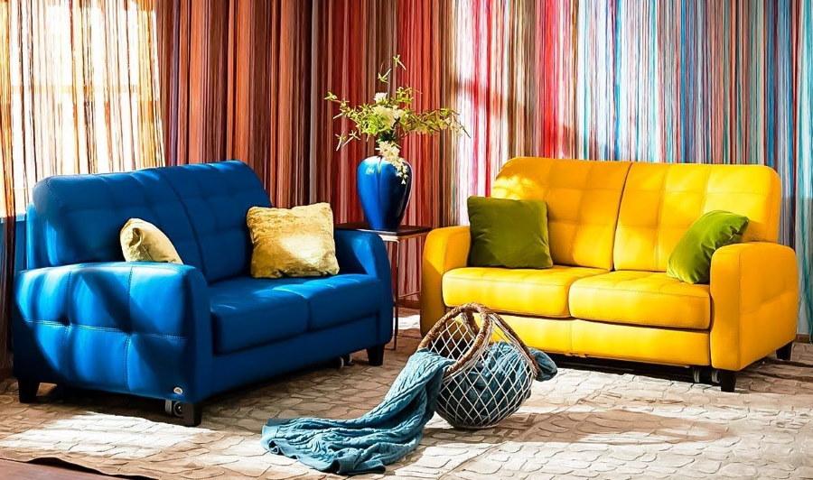 Раскладные диванчики желтого и синего цветов