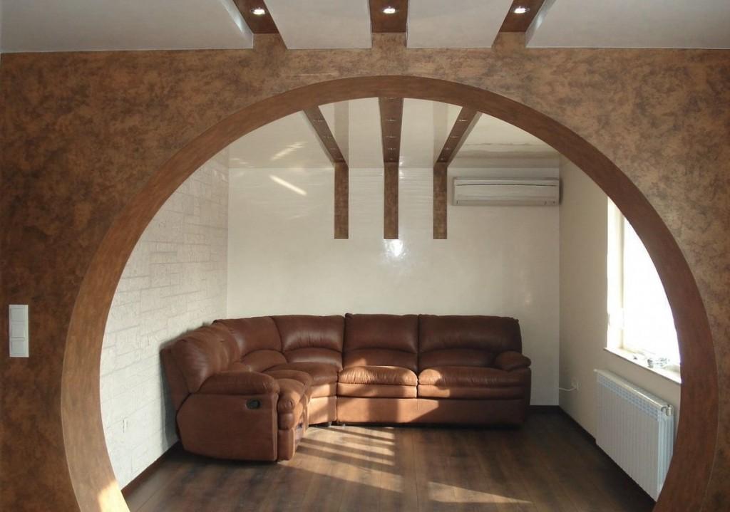 Круглая арка из гипсокартона в гостиной