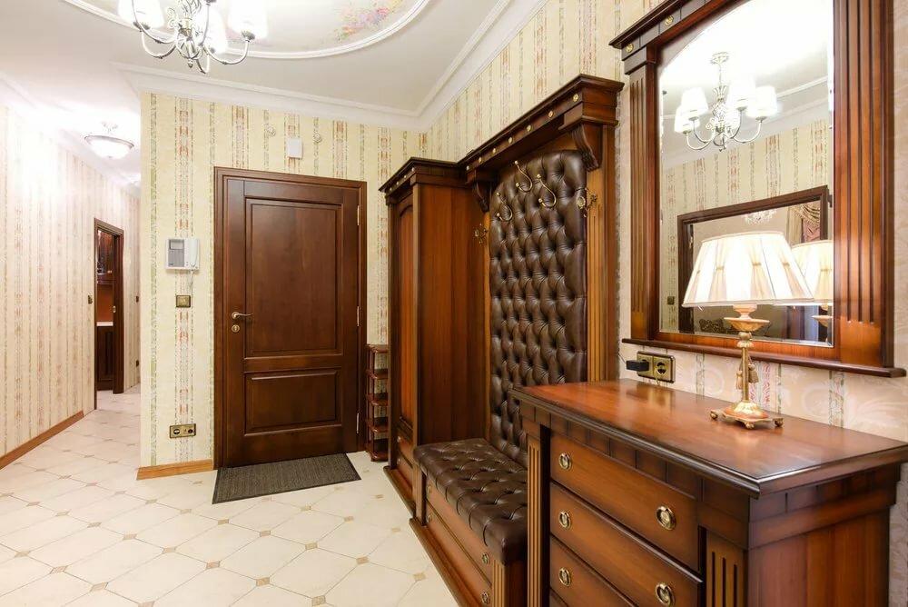 декор прихожей комнаты в классическом стиле