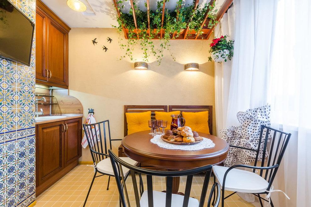 Декор растениями кухни в средиземноморском стиле