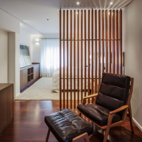 деревянные перегородки для зонирования идеи декора