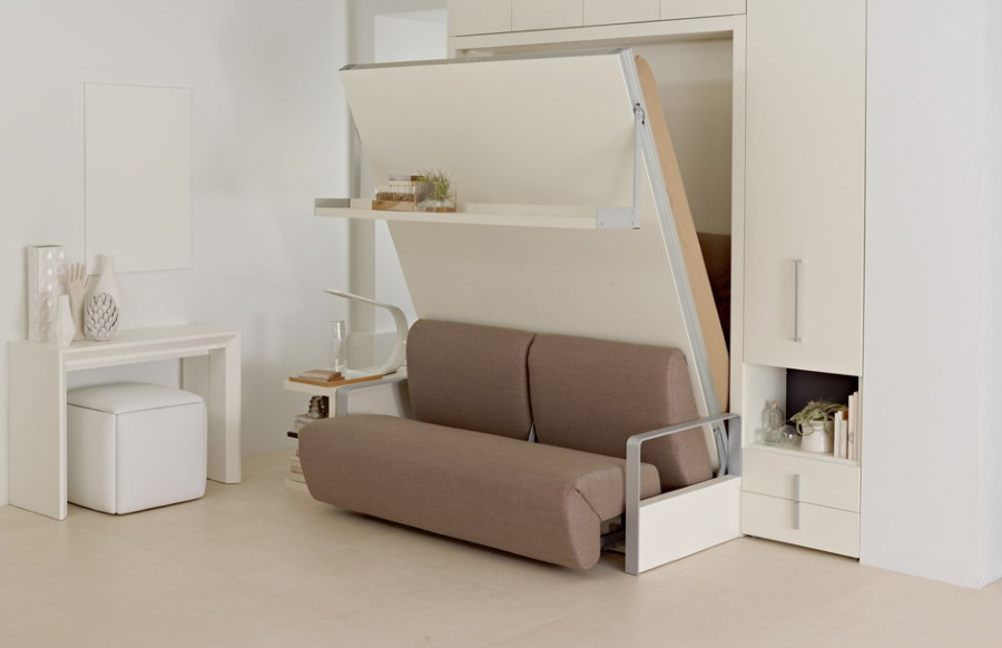 Кровать-диван трансформирующейся конструкции для зала в хрущевке