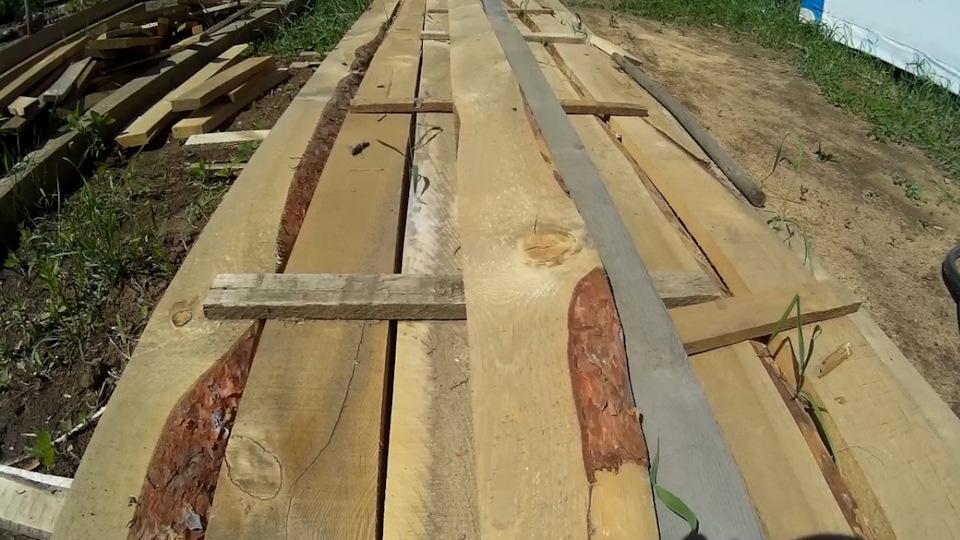 Подходящие доски для изготовления высокой грядки