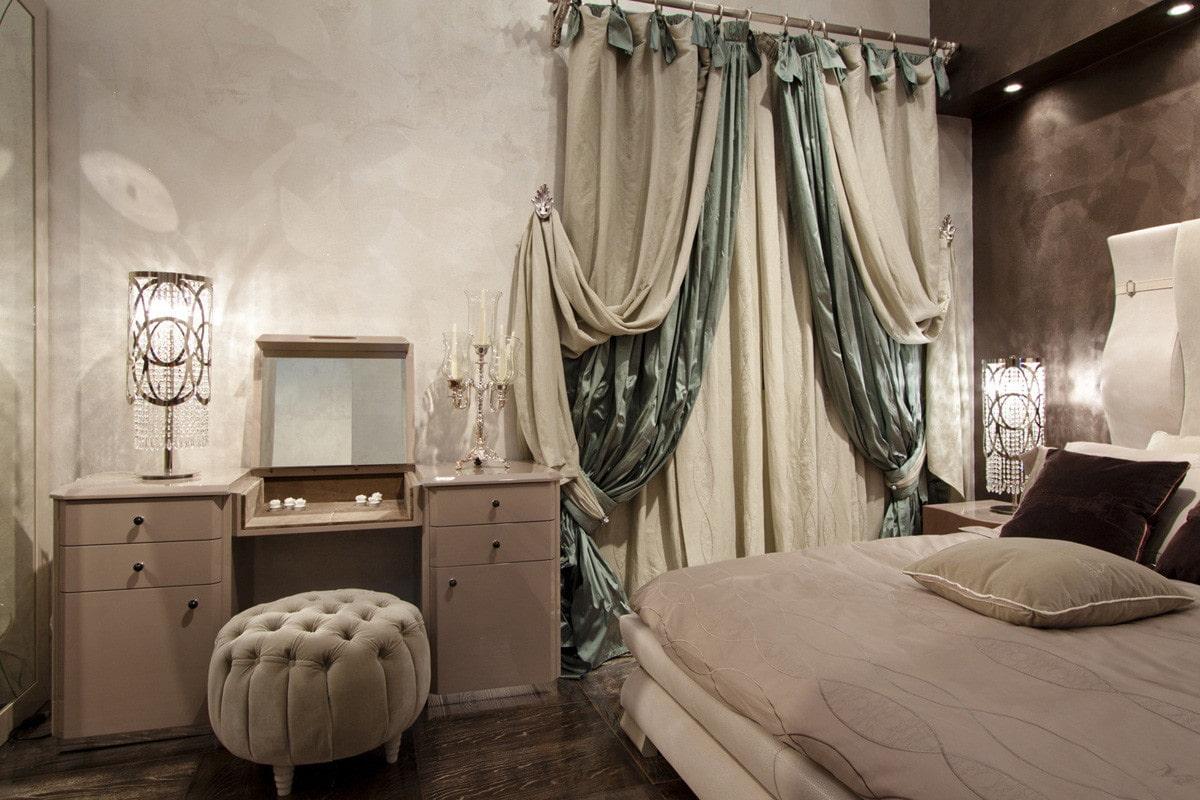 двойные шторы в спальне