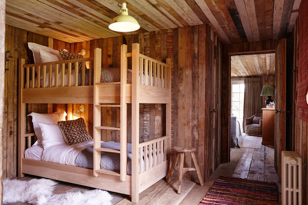 Интерьер детской спальни в деревенском стиле