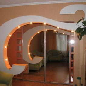 Фигурная арка со встроенными светильниками