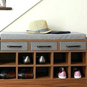 Мелкие отсеки для хранения обуви