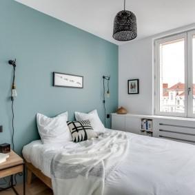Светлая спальня в трехкомнатной хрущевке