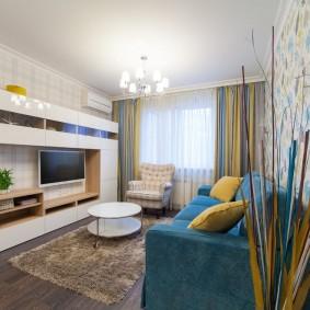 Современный интерьер комнаты в блочной хрущевке