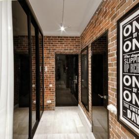 Узкий коридор в стиле лофта