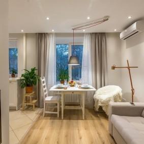 Подвесной потолок в кухне гостиной