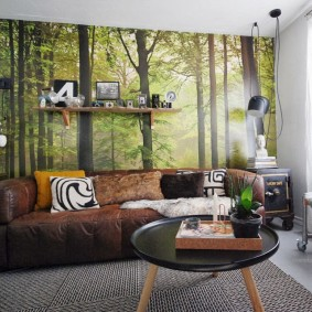 Фотообои с лесом в интерьере гостиной