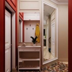 Открытая вешалка у входной двери