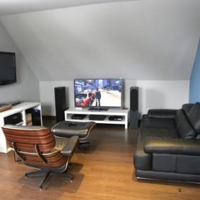 Минималистический дизайн геймерской комнаты