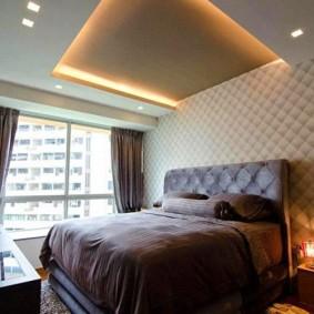 Зонирование спальни потолочным покрытием