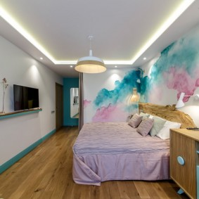 Абстрактная роспись стен в спальном помещении
