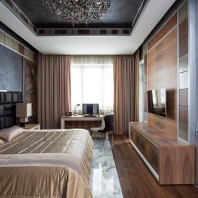 Дизайн спальни с рабочим местом у окна