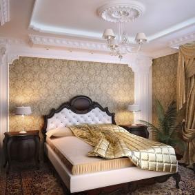 Гипсовая лепнина на потолке спальни