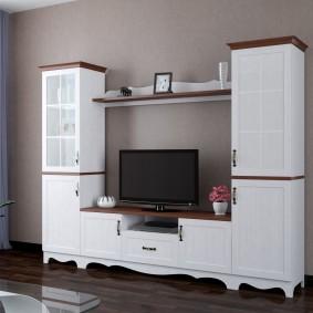 Белая мебель из массива дерева
