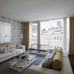 Панорамное окно в гостевой комнате