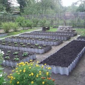 Огородные грядки из старого шифера