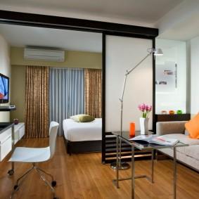 Зонирование комнаты на гостевую и спальную зоны