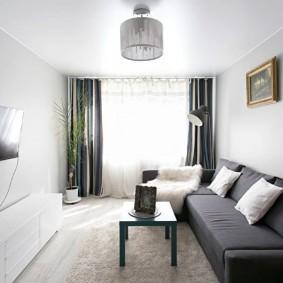 Серые занавески в светлой комнате