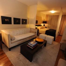 Освещение комнаты в современной квартире