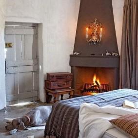 Интерьер спальни в сельском доме