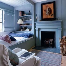 Деревянные стены синего цвета