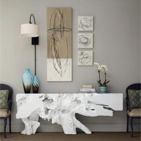 Консольный столик из природного камня