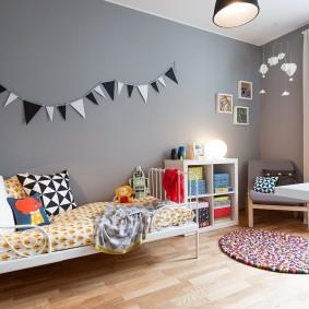 Серые стены в детской спальне