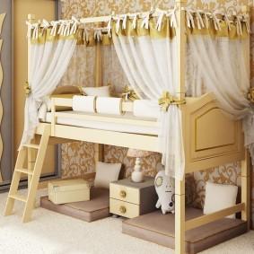Балдахин по периметру кровати-чердака