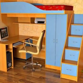 Угловая кровать-чердак для школьника