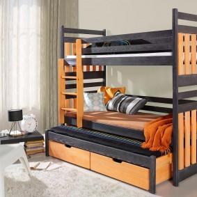 Высокая кровать для троих детей