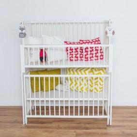Двухъярусная кровать для маленьких детей