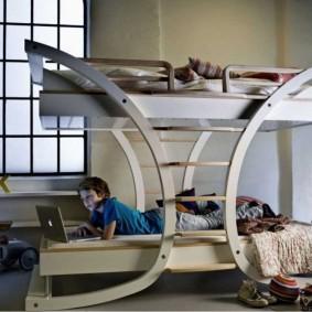 Детская кровать оригинальной конструкции