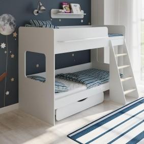 Недорогая кровать из ламинированной ДСП