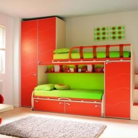 Яркая мебель в интерьере детской