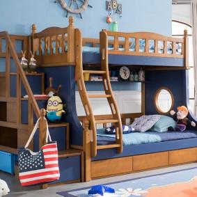 Кровать в морском стиле в комнате школьников