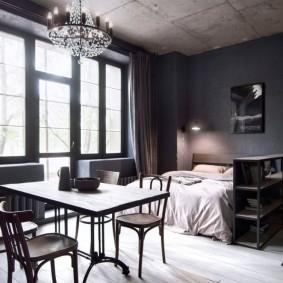 Бетонный потолок серого цвета