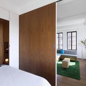 Сдвижная дверь из листового материала