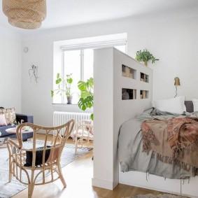 Плетенное кресло из натурального ротанга