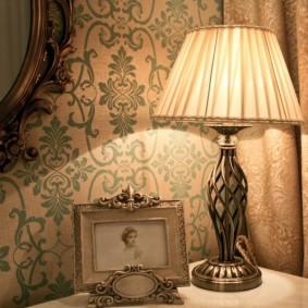 Шикарный светильник в классическом стиле