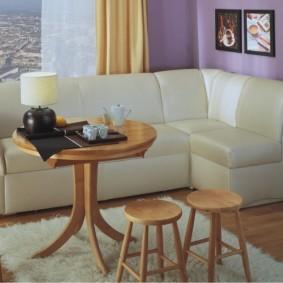 Угловой диван небольшого размера